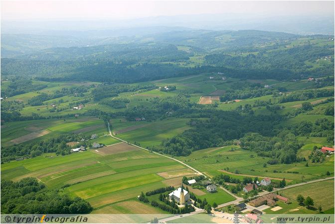 Widok z Głobikowej w kierunku Grabówki i Pogórza Ciężkowickiego