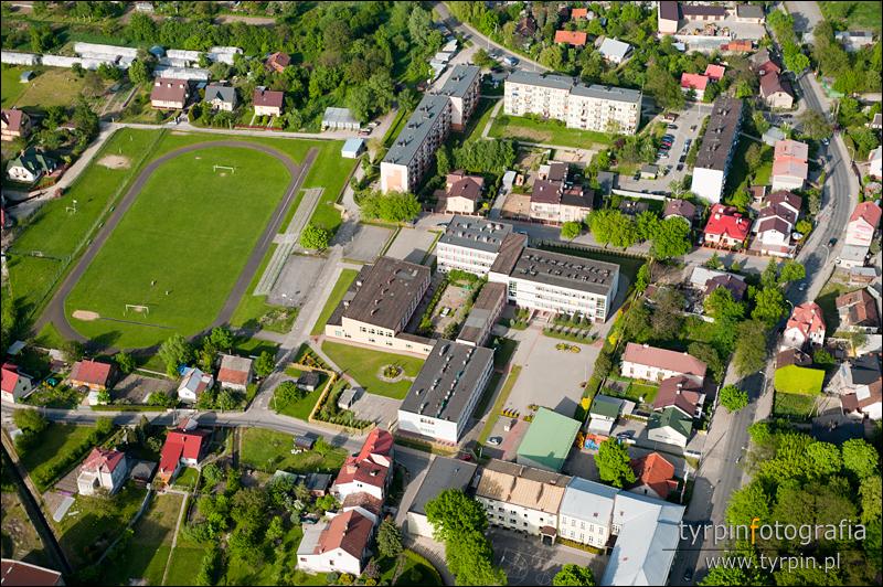Szkoła Podstawowa nr 1 i 9, ul. Cmentarna