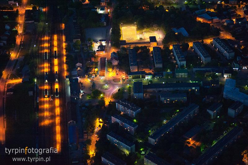 Dębica nocą - okolice dworca PKP